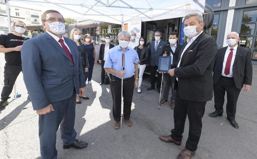 Saarbahn testet App für Blinde und Seheingeschränkte in einem ersten Live-Betrieb